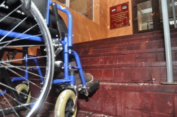 Инвалиды Воркуты столкнулись с неудобными пандусами