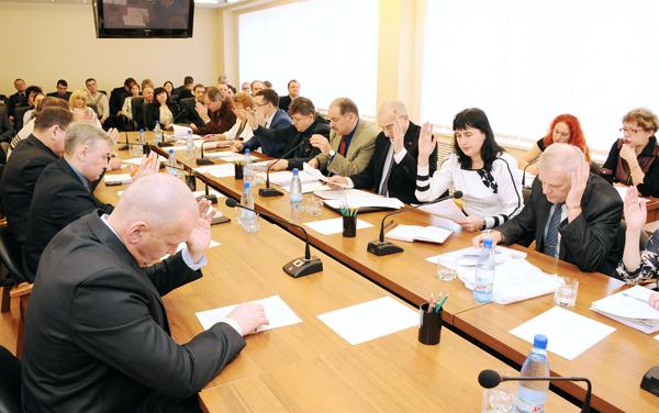 Депутаты Воркуты на первой весенней сессии обсудили непогоду