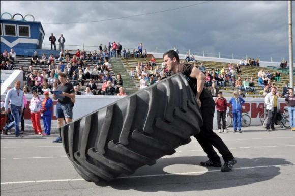 В Воркуте соревновались любители силового экстрима