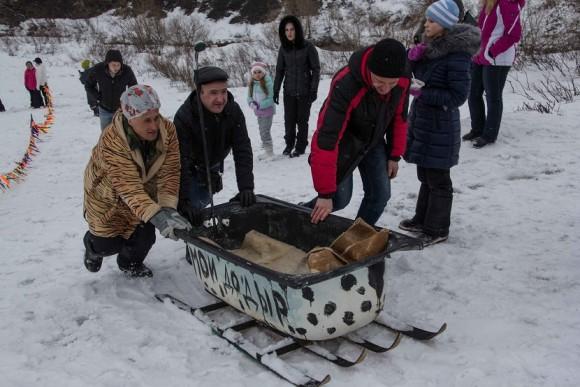 В Воркуте прошли гонки на самодельных санях