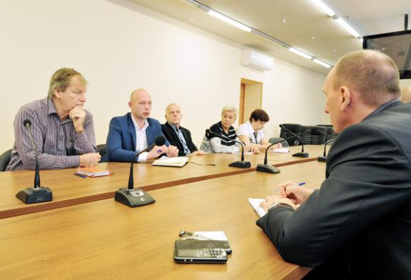 В мэрии Воркуты обсудили слухи о закрытии «скорой» в Заполярном